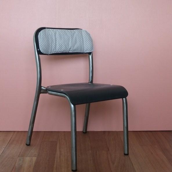 chaise maternelle en bois noir m tal brut vintage magic. Black Bedroom Furniture Sets. Home Design Ideas