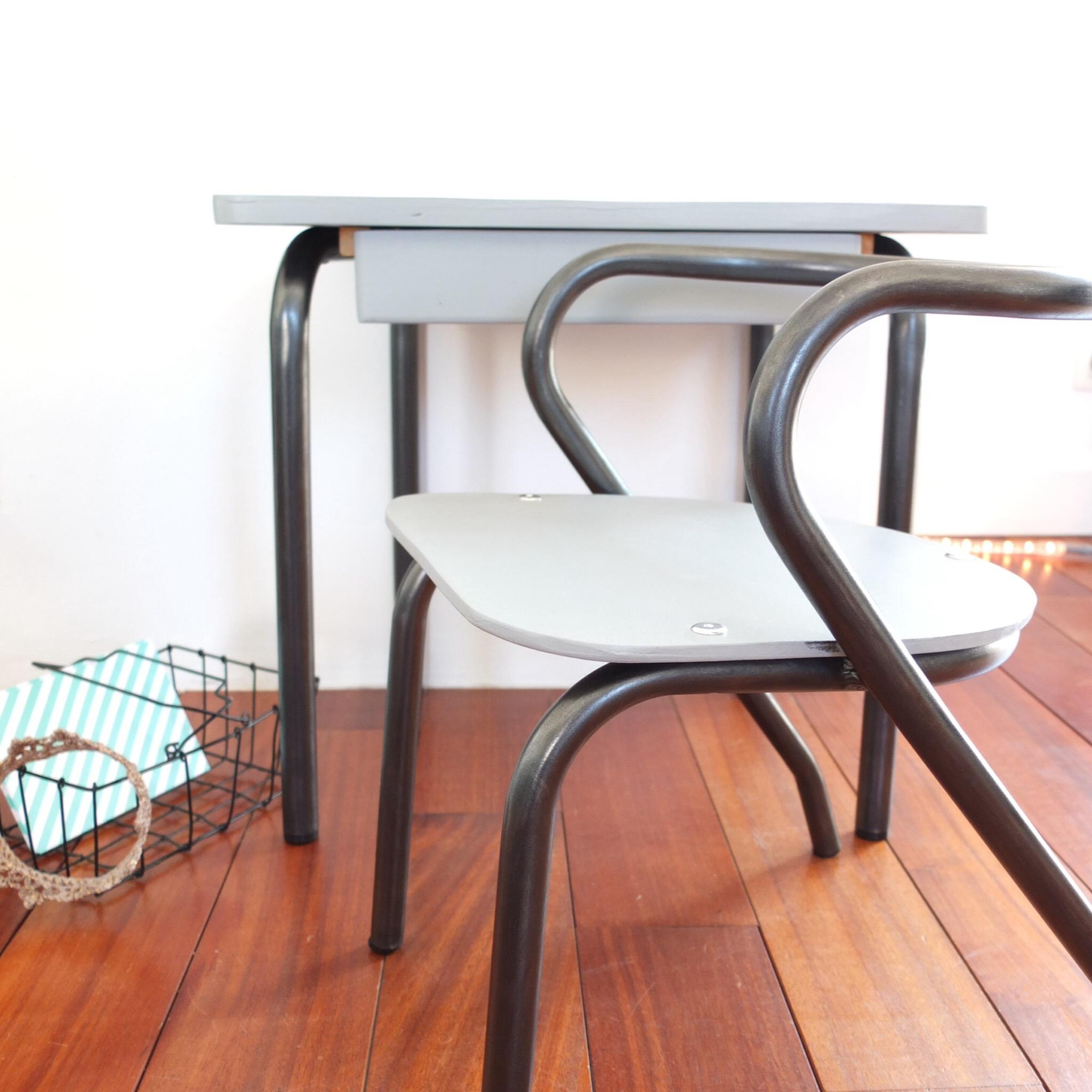 bureau delagrave et petite chaise jacques hitier vintage magic. Black Bedroom Furniture Sets. Home Design Ideas