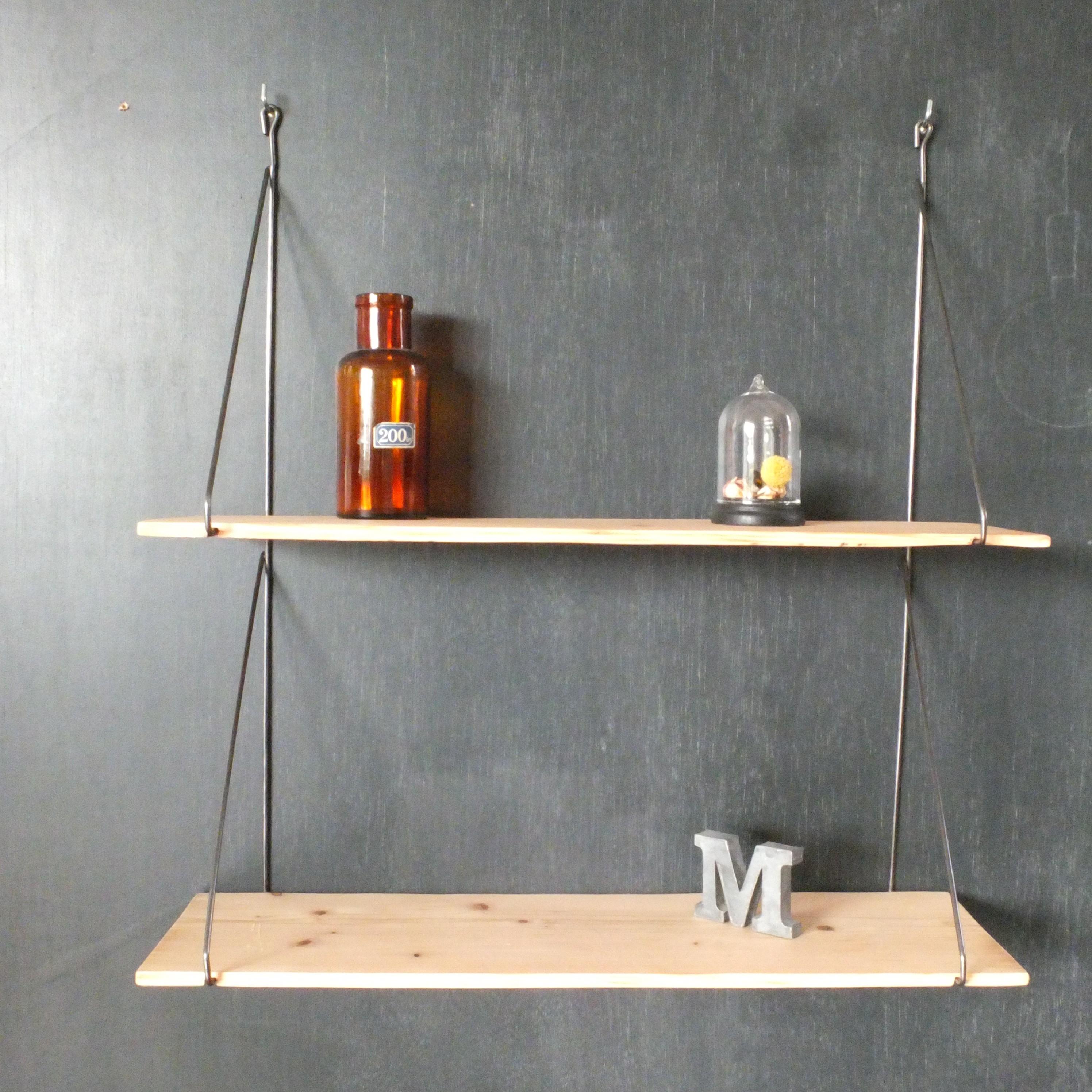 les tag res fil m tal et bois brut vintage magic. Black Bedroom Furniture Sets. Home Design Ideas