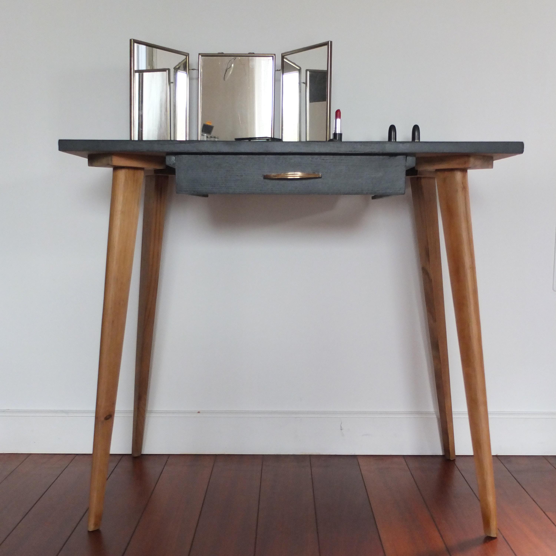petite table pieds compas ann es 50 vintage magic. Black Bedroom Furniture Sets. Home Design Ideas